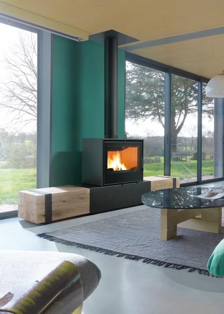 Wood stoves banquette bois chemin es axis for Forrar chimenea